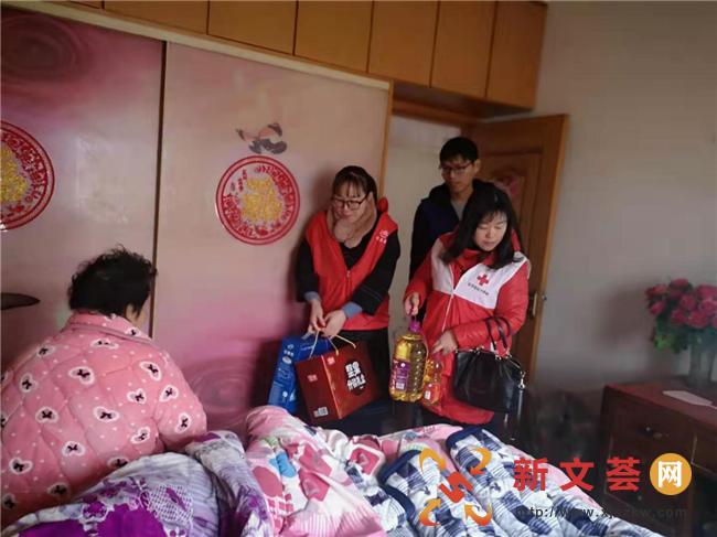 南京江寧上峰社區春節前夕送溫暖走訪慰問困難家庭