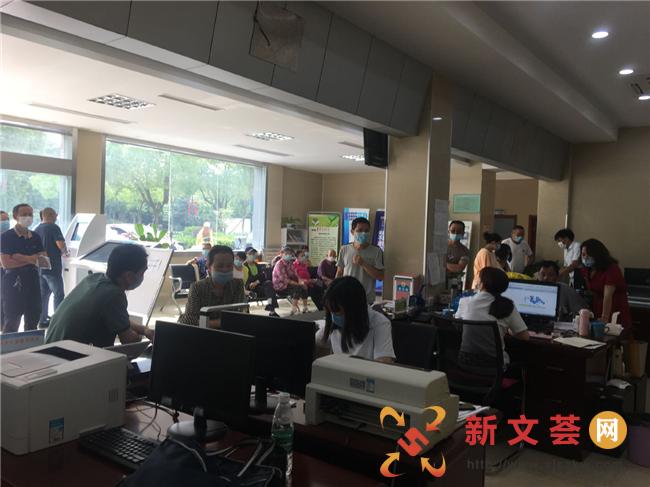 南京市六合区龙池街道便民服务中心 无休服务解民忧