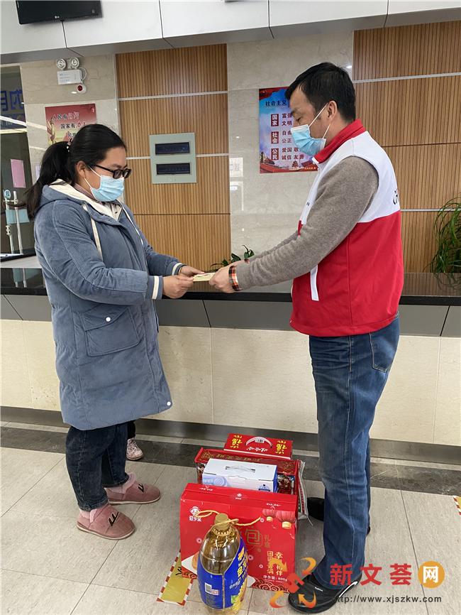 南京六合龙池街道为民服务中心联合民政办走访慰问低保、残疾人员